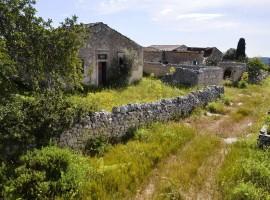 Bellissimo Caseggiato antico da ristrutturare