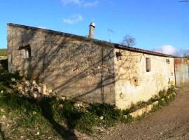 Caseggiato rurale da ristrutturare