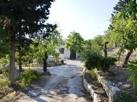 Villetta con terreno e vista su Noto