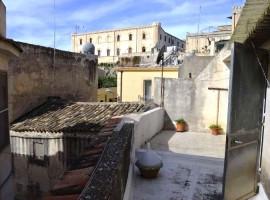 Indipendente in centro con terrazzo