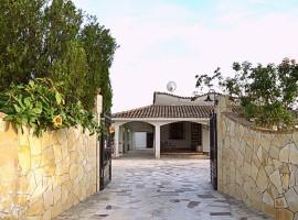 Splendida villa per vacanze a due passi dal mare