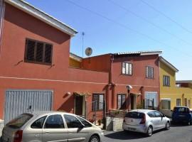 Noto - Villetta a schiera in Contrada San Giovanni - con giardino