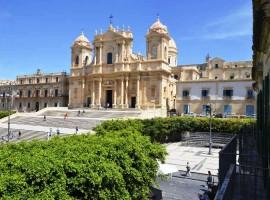 Prestigioso appartamento fronte Cattedrale - in affitto