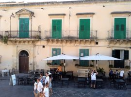 Centro storico, c.so Vittorio Emanuele - Appartamento storico in affitto