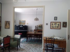 Affitto lungo periodo - Spazioso appartamento con cantina e garage